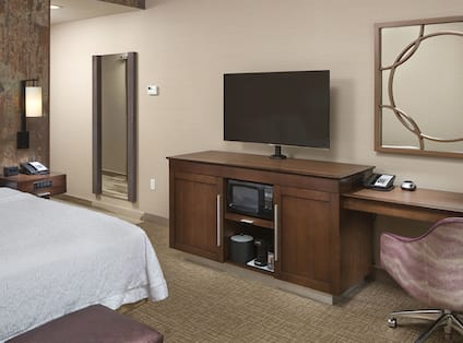 Guest Room with King Bed, Television and Work Desk