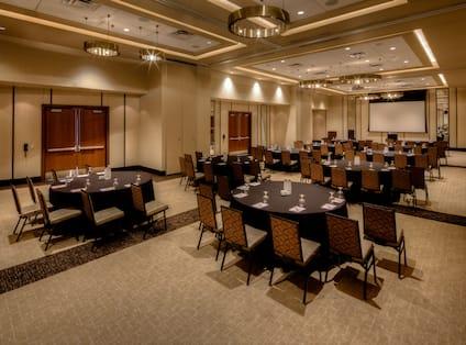 Round Table Meeting Setup