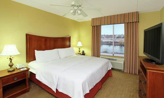 King Suite Guest Room with Scenic View and HDTV