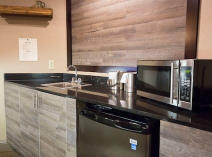 Presidential Suite Wet bar with Mini Fridge and Microwave