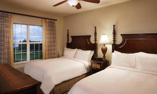 Three Bedroom Suite with 2 Queen Sized Beds