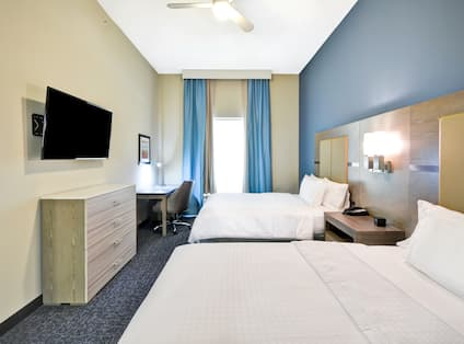 Homewood Suites by Hilton Orlando Theme Parks - Two Queen Beds in Suite Room