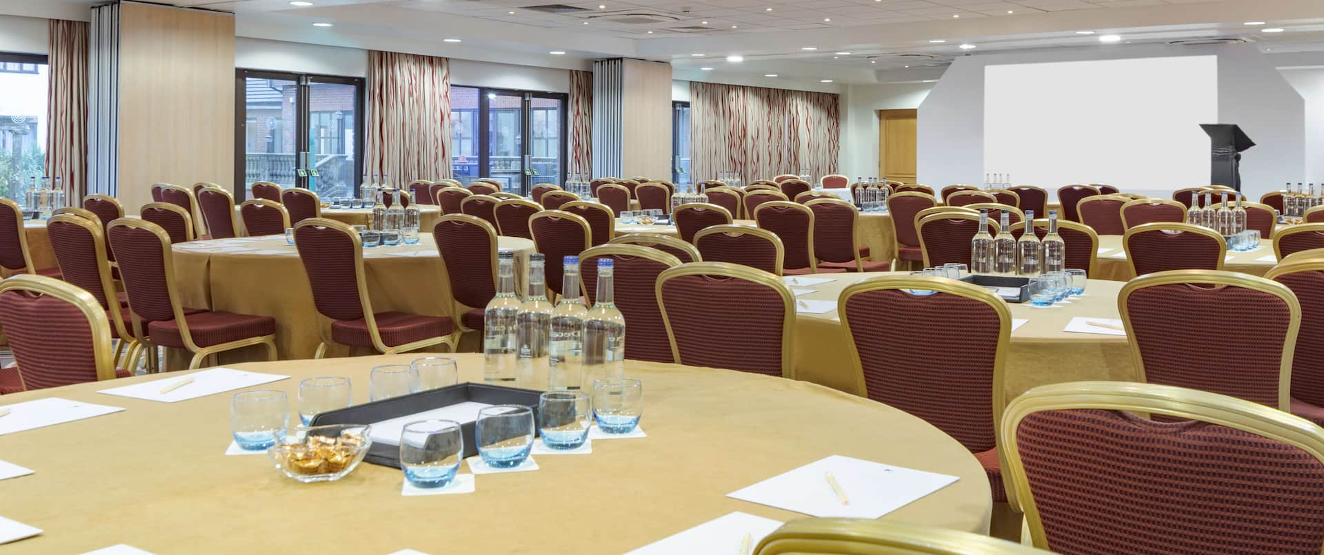 Large Meeting Room Setup in Rounds
