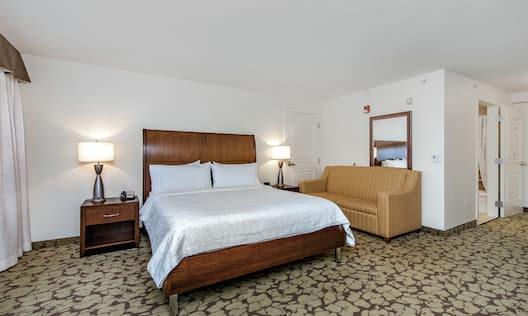 Mobility And Hearing Accessible King Bedroom