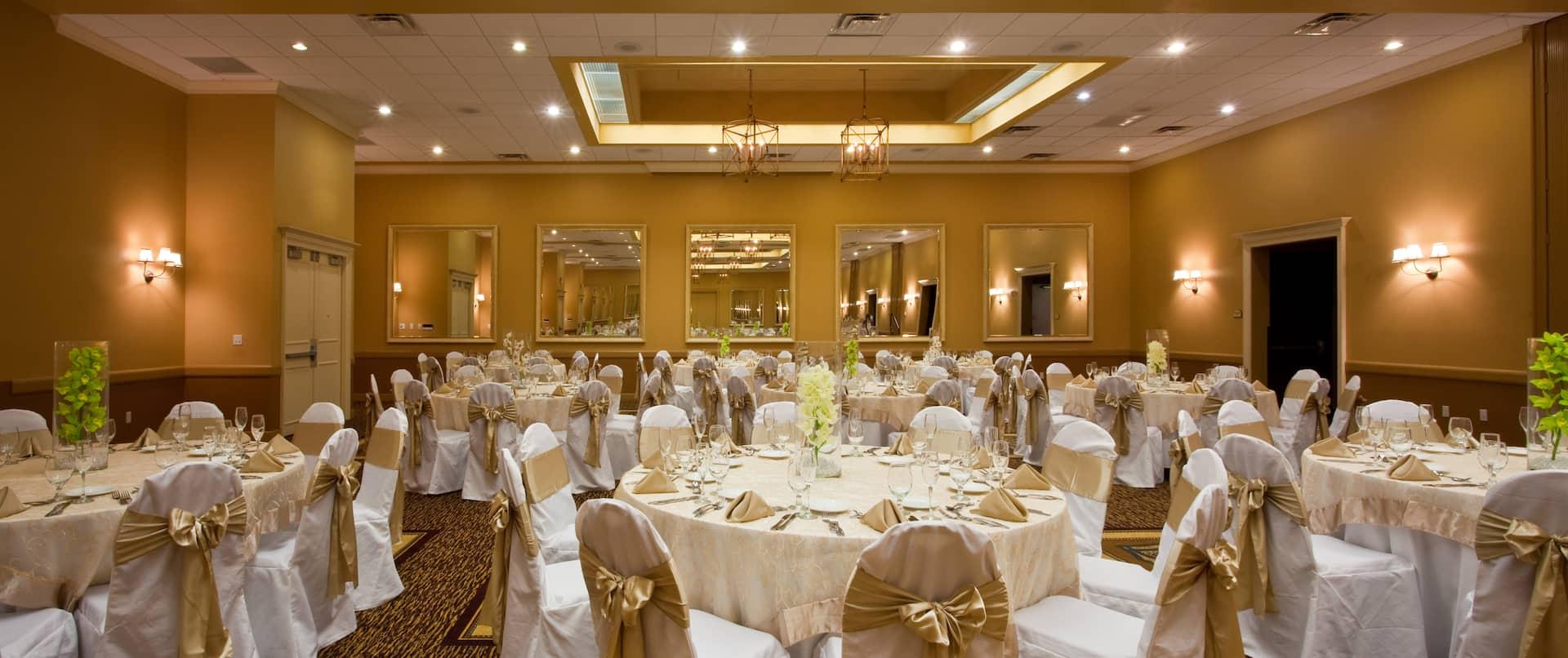 Ballroom Wedding Banquet Rounds Setup