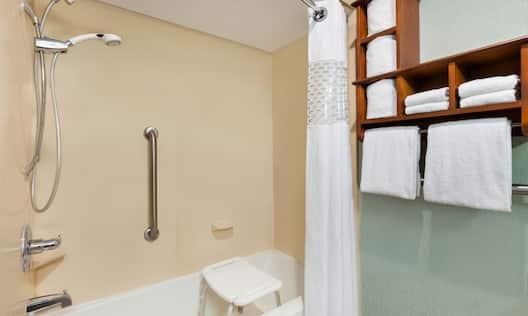 Hampton Inn Portland/Clackamas Hotel, OR - Accessible Bathtub with Bench and Handrails
