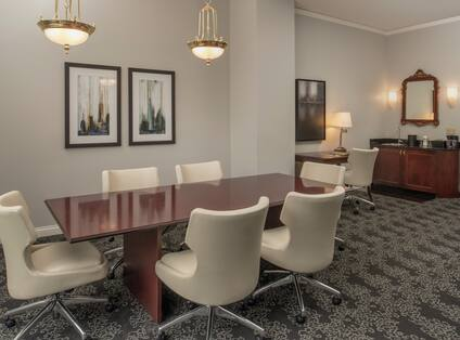 Table, Work Desk, and Wet Bar in Guest Suite