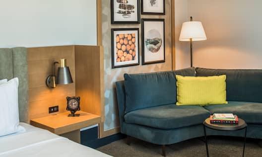 Premier Single King Guestroom