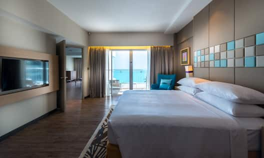 King One Bedroom Suite with Seaview