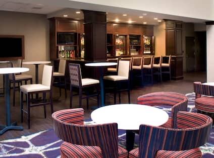 Reserve Lounge In Atrium
