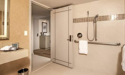 Resort Room Accessible - Roll-In Shower