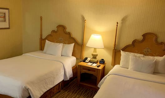 Guestroom Suite with Double Beds and Room Technology
