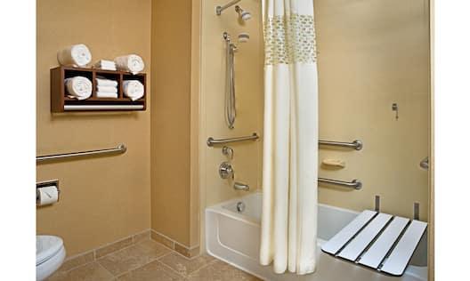Accessible Guest Bathtub
