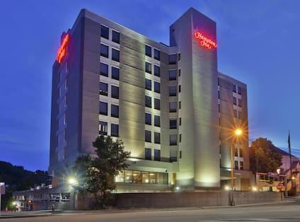 Hilton Inn Hotel Exterior Evening
