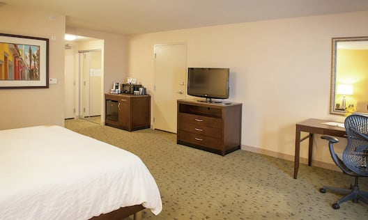 Accessible King Guestroom with Bed, Work Desk, Room Technology, and Wet Bar