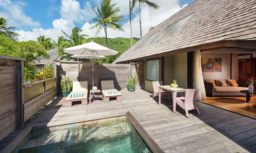 Garden Bungalow with Pool Patio
