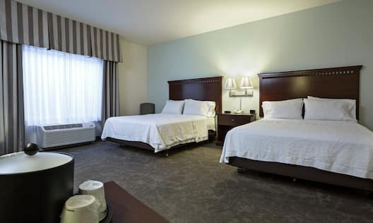 Double Queen Guestroom