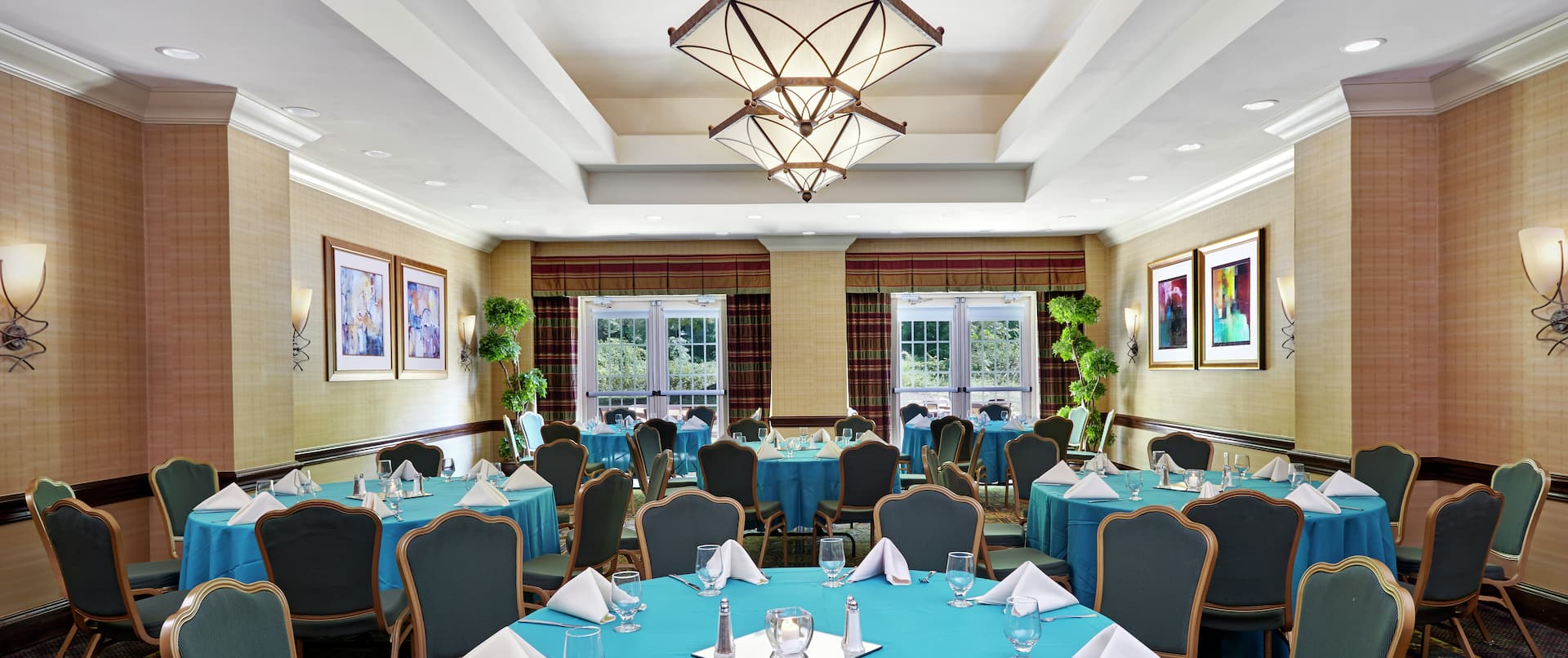 Meeting and Conference Space with Elegant Lighting Fixtures and Furnishings