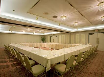 Palm Canyon Meeting Room