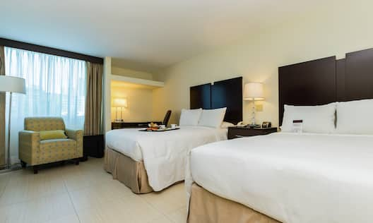 2 Full Beds Suite
