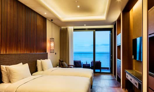 Hilton Busan Hotel, South Korea - Deluxe, Premium Two Beds and Window
