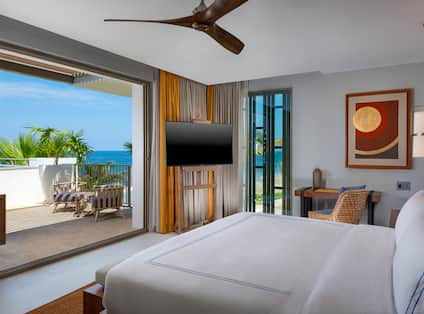 Bedroom of Grand Suite Terrace with Ocean View from Balcony