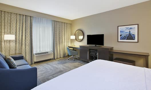 Executive King Bed Guestroom
