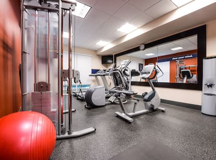 Fitness Center with Weight Machine, Cycle Machine and Cross-Trainer