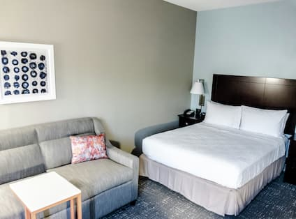 Guest Bed and Sitting Area