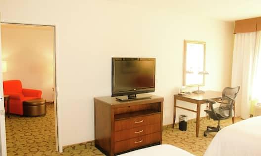 Double Queen And One Bedroom Suite