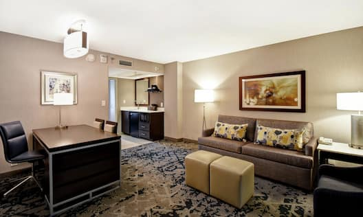 Accessible Guestroom with Lounge Area