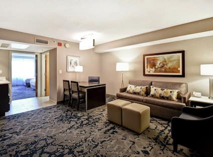 Two Double Bedroom with Lounge Area