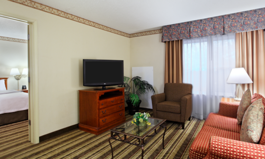 2 DOUBLE BEDS 1 BEDROOM SUITE LIVING AREA