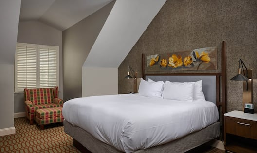 Governors Suite King Bed