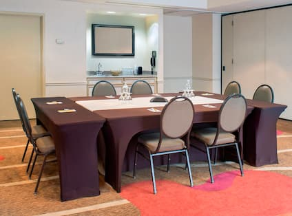Seating For 8 at Boardroom Table and Wet Bar in Palmetto Ballroom