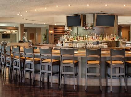 Restaurant Circular Bar