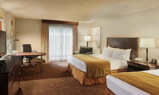 Standard 2 Queen-Sized Guest Rooms