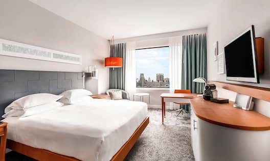 King Deluxe Room with Desk and HDTV