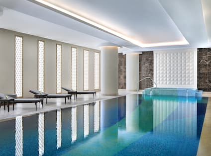 Indoor Pool and Eforea Spa for Male