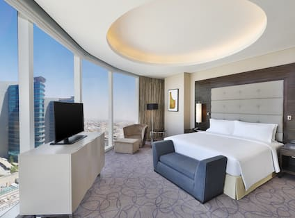 Single King Deluxe Guestroom with City View