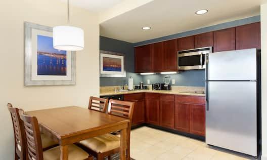 2 Bedroom Suite with Kitchen
