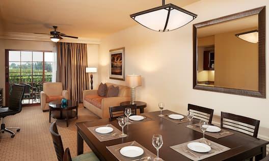 2 Bedroom Suite Dining Area