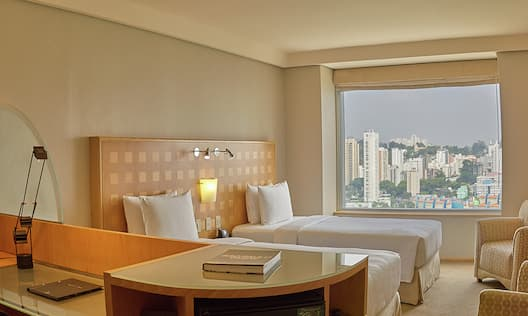 Bedroom of the Deluxe Twin