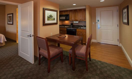 Suit Dining Table