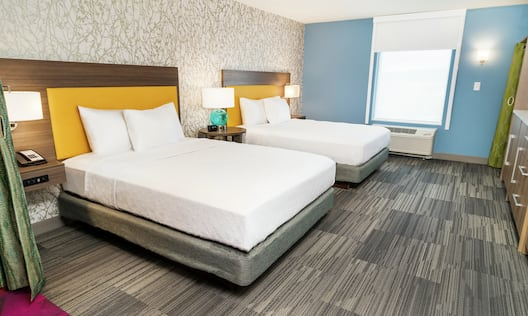 Suite with 2 Queen sized Beds
