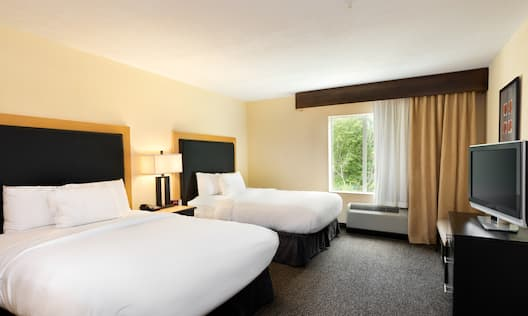 Suite with Two Beds and HDTV