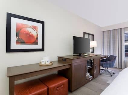 King Guest Room Amenities