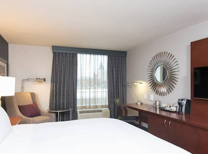 King Guestroom with Bed and Work Desk