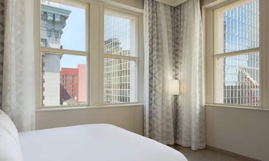 Two Room Corner Suite Bed