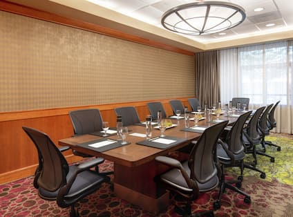 Pinnacle Boardroom